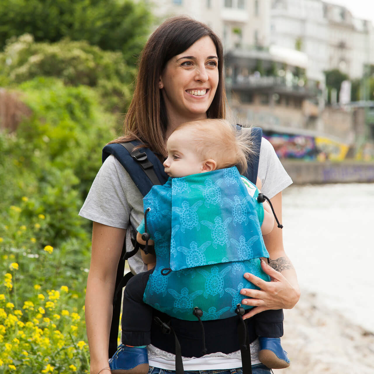 Buzzidil Babysize baby carrier