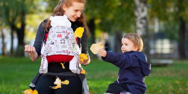 Babytrage für Neugeborene: Darauf musst Du achten!
