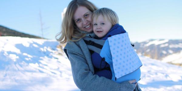 Tragetipps: Kuschelig im Winter tragen