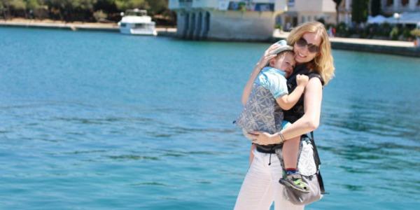 Die perfekte Babytrage für den Sommer? - BuzziBu Hybrid