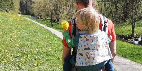 Wandern mit Kindern - Wanderkraxe vs. Babytrage